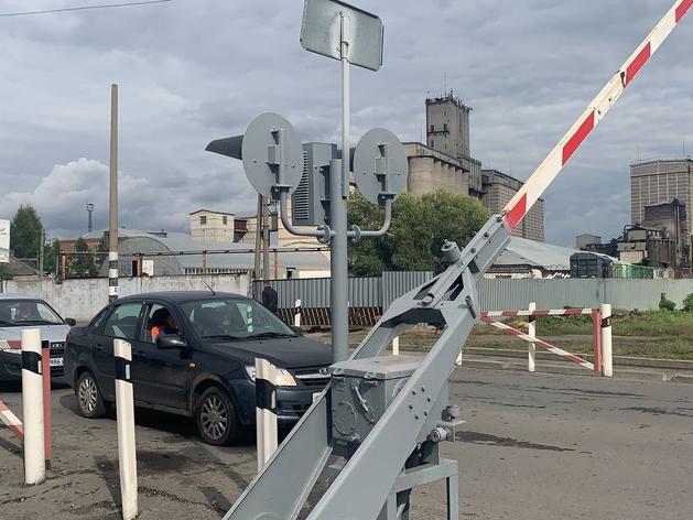 «В Заводоуковске такая же проблема. Если переезд закрыт, машины стоят по полчаса»
