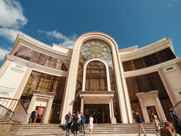 В ЗАГС только вдесятером: антиковидный режим в Тюменской области продлен